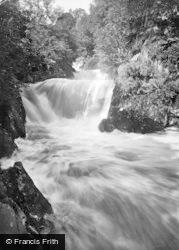 Ingleton, Pecca Twin Falls In Flood 1929