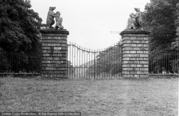 Photo of Innerleithen, The Gates, Traquair House 1951