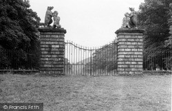 Innerleithen, The Gates, Traquair House 1951