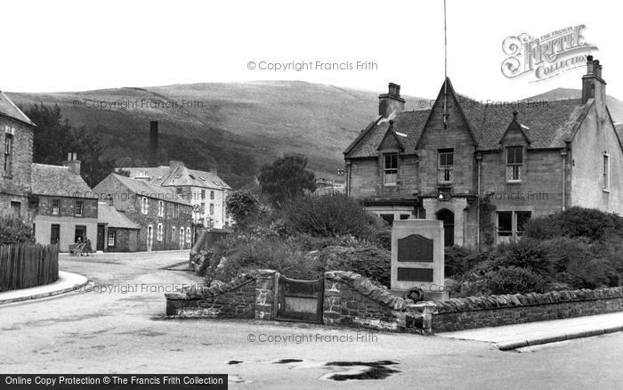 Photo of Innerleithen, War Memorial c1955, ref. i43012
