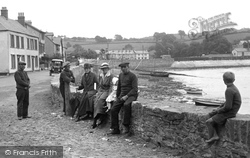 People On The Foreshore 1919, Instow
