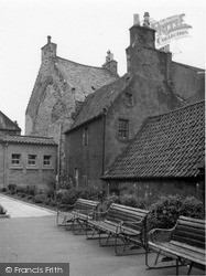 House Next To The Palace 1962, Inverkeithing