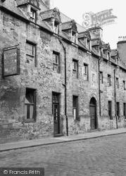 Dunbar's Hospital 1952, Inverness