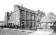 Ipswich, Museum 1896