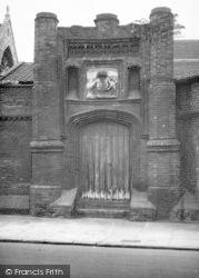 Wolsey's Gate c.1955, Ipswich