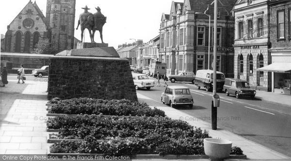 Jarrow, the Viking Statue c1965