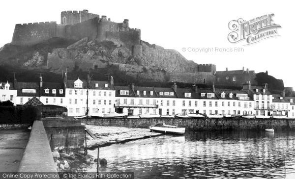 Photo of Jersey, Mont Orgueil Castle, Gorey c.1965