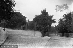 Keighley, Entrance To Devonshire Park c.1910