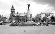 Keighley, Town Hall Square 1960