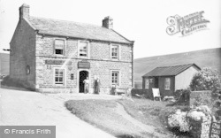 Keld, Cat Hole Inn c.1935