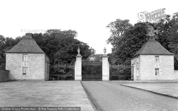 Photo of Kelso, Floors Castle Entrance c.1950
