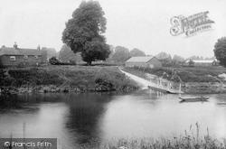Pixham Ferry 1910, Kempsey
