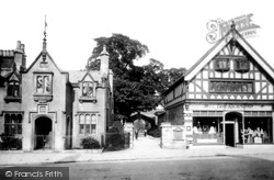 Kendal, Dowker's Hospital And Entrance To Abbot Hall Park 1914