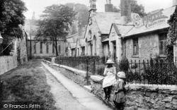 Kendal, Highgate, Sandes Hospital Almshouses 1914