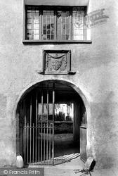 Kendal, Highgate, Sandes Hospital Gatehouse 1914
