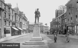 Kendal, Market Place And War Memorial 1921