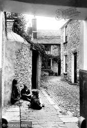Kendal, Noble's Yard, 96, Off Stricklandgate 1914