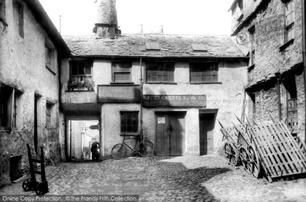 Kendal, Stricklandgate, Redman's Yard 1914.  (Neg. 67394)  � Copyright The Francis Frith Collection 2008. http://www.francisfrith.com