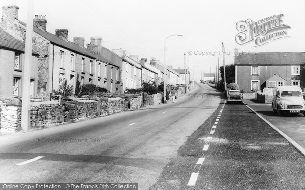 Photo of Kenfig Hill, High Street c.1965