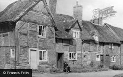 Kenilworth, Castle Green, Old Cottages c.1955