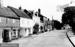 Kenilworth, The Castle Hill c.1960