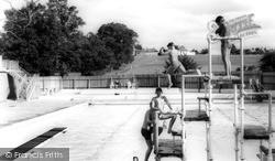 Kenilworth, The Swimming Pool, Abbey Fields c.1965
