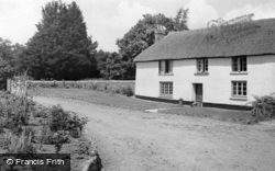 Kennerleigh, Lower Woodbere Farm c.1960