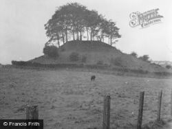 Maiden Castle, Dunipace Hill 1953, Kennoway