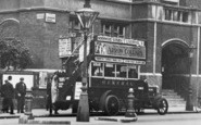 Kensington, A Bus, Ladbroke Grove c.1915