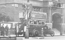 A Bus, Ladbroke Grove c.1915, Kensington
