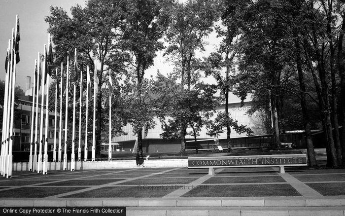 Kensington, Commonwealth Institute c1965