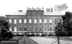 Kensington Palace 1899, Kensington