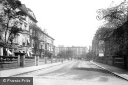 Vicarage Gardens 1906, Kensington