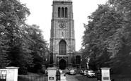 Kettering, Parish Church c.1960