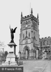 Kidderminster, St Mary's Church and War Memorial c1950