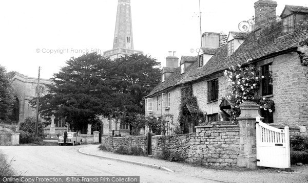 Kidlington, St Mary's Church and Cottages c1960