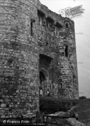 Castle, The Entrance 1953, Kidwelly