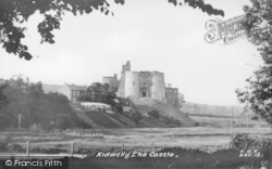 The Castle c.1955, Kidwelly