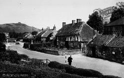 The Village c.1960, Kilburn
