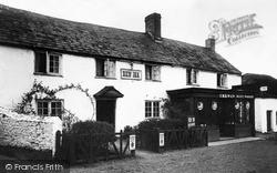 Kilkhampton, The New Inn c.1933
