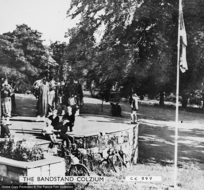 Photo of Kilsyth, The Bandstand, Colzium c.1950