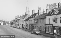 Kimbolton, High Street Pubs c.1960