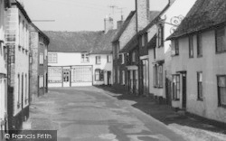 Kimbolton, Houses In East Street c.1965