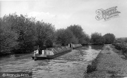 Kings Langley, Grand Union Canal Barges c.1960