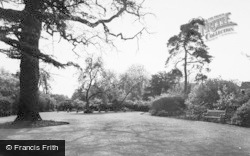 Kings Langley, The Garden Of Remembrance c.1960