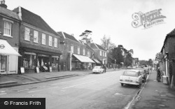 Kings Langley, The High Street c.1965