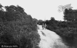 Kingswood, Church And Heath 1927