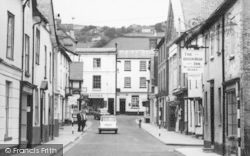 Kington, Bridge Street, The Queen's Head Inn c.1965