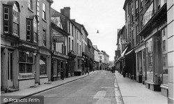 Kington, High Street c.1955