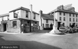 Kington, Swan Hotel And The Memorial c.1965